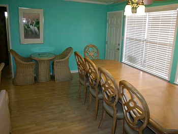 Dining area of Isle Call - Gulf Shores Beach House for Rent