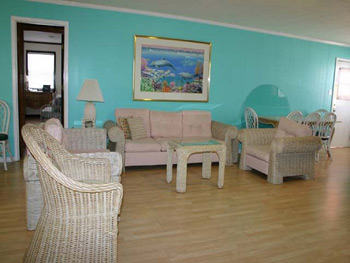 Living room of Isle Call - Gulf Shores Beach House for Rent
